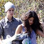 Justin Bieber and Selena Gomez enjoy a romantic picnic in Griffith Park 110707