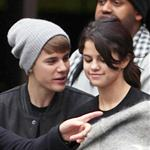Justin Bieber and Selena Gomez go on a private tour in London 98011