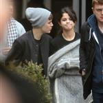Justin Bieber and Selena Gomez go on a private tour in London 98015