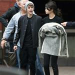 Justin Bieber and Selena Gomez go on a private tour in London 98020