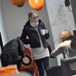 Pregnant Kate Hudson at an art gallery in Paris  77776