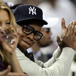Kate Hudson sits next to Jay-Z as the Yankees beat Twins in Game 1 48359