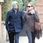 Kate Hudson and Matt Bellamy walking in Primrose Hill London, England 108589