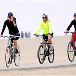 Kate Hudson Goldie Hawn Kurt Russell bike ride with Matt Bellamy 69292