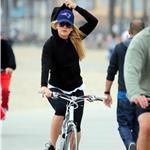Kate Hudson Goldie Hawn Kurt Russell bike ride with Matt Bellamy 69294