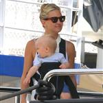 Kate Hudson on holiday with Matt Bellamy, baby Bing and Philip Green in the French Riviera  118476