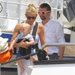 Kate Hudson on holiday with Matt Bellamy, baby Bing and Philip Green in the French Riviera  118481