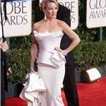 Kate Hudson in white Marchesa at Golden Globes 2010 like Nicole Kidman Chanel Oscars 2004 53572