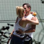 Kate Hudson Lance Armstrong PDA on tennis court 21720