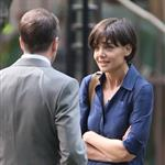 Katie Holmes shooting scenes with Jonny Lee Miller 22685