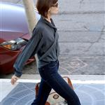 Katie Holmes skinny in high waisted jeans 17436