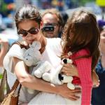 Katie Holmes out shopping for groceries with Suri in NYC 119971