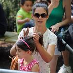 Katie Holmes and her mother Kathleen take Suri to the Central Park Zoo 120325