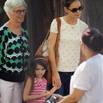 Katie Holmes and her mother Kathleen take Suri to the Central Park Zoo 120328
