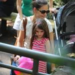 Katie Holmes and her mother Kathleen take Suri to the Central Park Zoo 120333