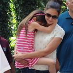 Katie Holmes and her mother Kathleen take Suri to the Central Park Zoo 120334
