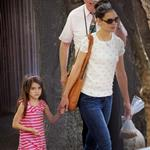 Katie Holmes and her mother Kathleen take Suri to the Central Park Zoo 120338