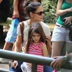Katie Holmes and her mother Kathleen take Suri to the Central Park Zoo 120341