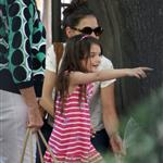 Katie Holmes and her mother Kathleen take Suri to the Central Park Zoo 120376