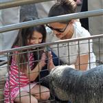 Katie Holmes and her mother Kathleen take Suri to the Central Park Zoo 120380