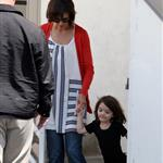Katie Holmes with daughter Suri at dance class 39142