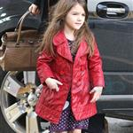 Katie Holmes and Suri at Granville Island in Vancouver and Vera Burger 80768