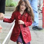 Katie Holmes and Suri at Granville Island in Vancouver and Vera Burger 80774