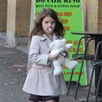 Katie Holmes and Suri at Granville Island in Vancouver and Vera Burger 80785