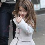 Katie Holmes and Suri at Granville Island in Vancouver and Vera Burger 80794
