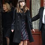 Keira Knightley stops to eat at Chanel Paris Fashion Week Fall 09 31575