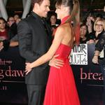 Kellan Lutz and his real girlfriend at the Breaking Dawn Part 1 premiere  98401