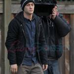 Joseph Gordon-Levitt is bald on set with Anna Kendrick in Vancouver  58209