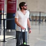Kings of Leon at LAX headed for UK  45561
