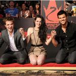 Robert Pattinson, Kristen Stewart, Taylor Lautner are honoured with a Hand and Footprint Ceremony outside Grauman's Chinese Theatre  97663