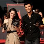 Robert Pattinson, Kristen Stewart, Taylor Lautner are honoured with a Hand and Footprint Ceremony outside Grauman's Chinese Theatre  97668