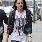 Kristen Stewart looking hung over heading to a salon in Vancouver 39376
