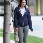 Kristen Stewart in Vancouver with Elizabeth Reaser, Nikki Reed, and Paris Latsis  46191