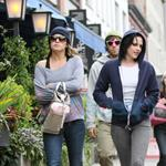 Kristen Stewart in Vancouver with Elizabeth Reaser, Nikki Reed, and Paris Latsis  46180