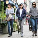Kristen Stewart in Vancouver with Elizabeth Reaser, Nikki Reed, and Paris Latsis  46183