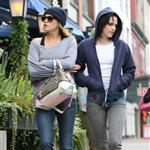 Kristen Stewart in Vancouver with Elizabeth Reaser, Nikki Reed, and Paris Latsis  46186