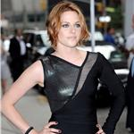 Kristen Stewart at Letterman to promote Eclipse 64218