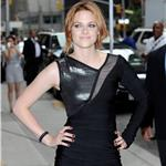 Kristen Stewart at Letterman to promote Eclipse 64219