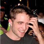 Fans wait until 5am to see Robert Pattinson after he shoots Cosmopolis  89517