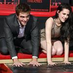 Robert Pattinson and Kristen Stewart 121600