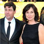 Kyle Chandler at the 2012 SAG Awards with his wife 104158
