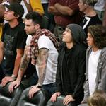 Zac Efron at the Laker game 40620
