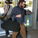 Hairy Joaquin Phoenix and Casey Affleck travel from LA to NY 32590