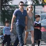 Leann Rimes with Eddie Cibrian and his sons, looking healthier in October 2010 82817