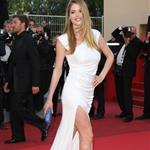 Doutzen Kroes on the carpet of The Beaver in Cannes 85633