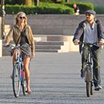 Leonardo DiCaprio and Erin Heatherton bike riding in New York 117650